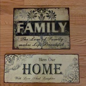 2 metal home/family signs.